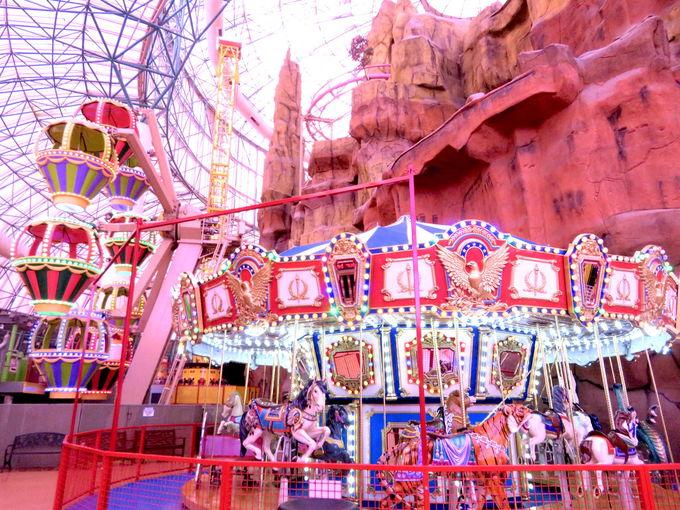 全米最大の規模を誇るドーム型遊園地