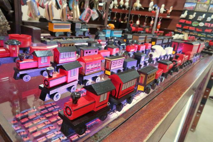 スペイン植民地時代の雰囲気を残すエクアドル列車