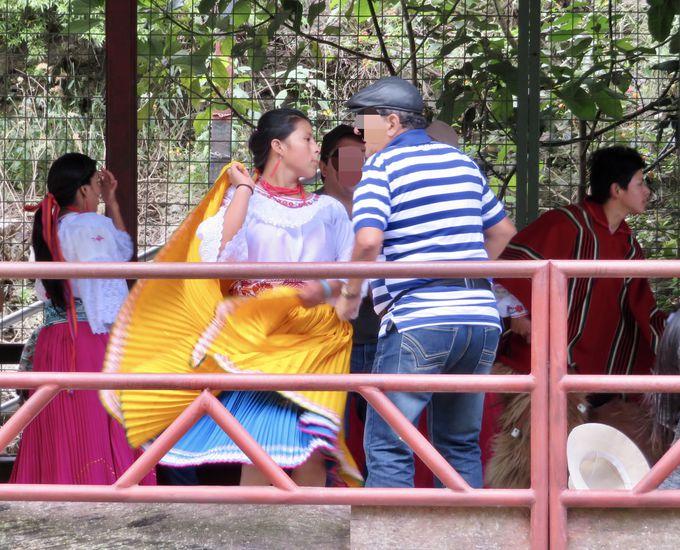アンデスの文化に触れるシバンベ駅