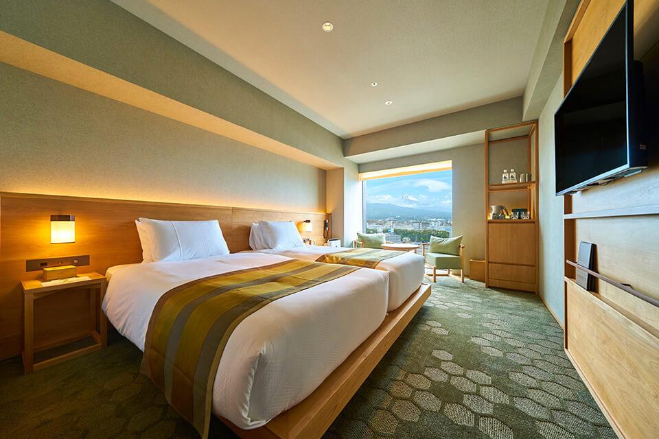 富士山とジャパニーズモダンな内装が素敵な客室