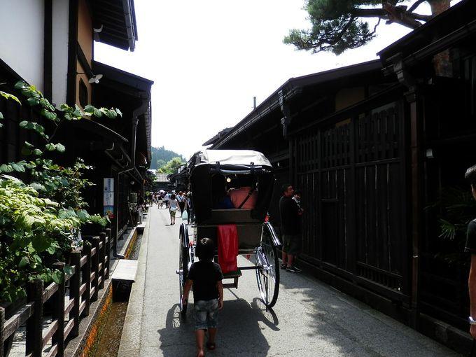 高山といえば昔の町並み。高山一の人気スポットになります。