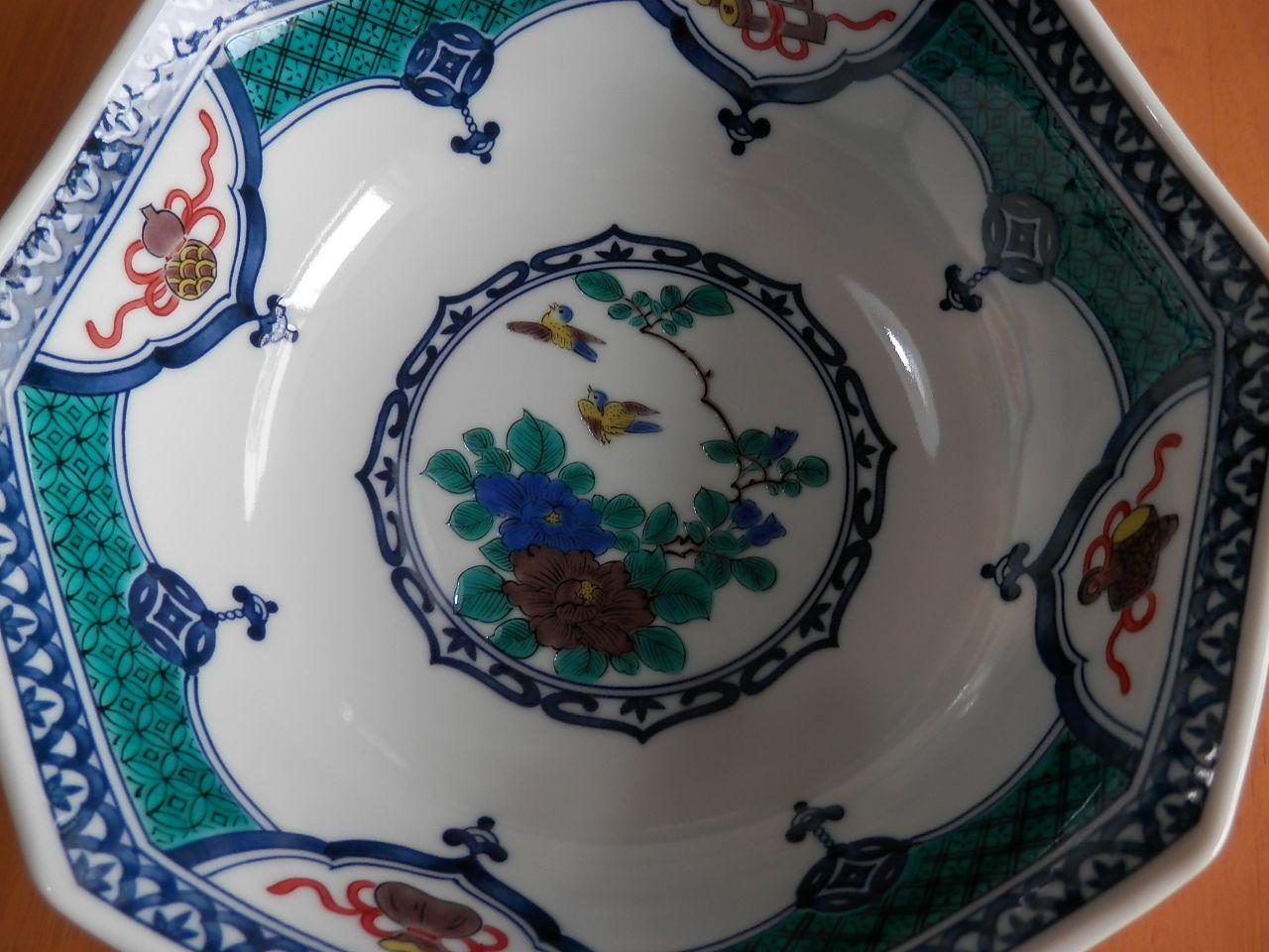 お土産にも自分用にも、金沢伝統九谷焼