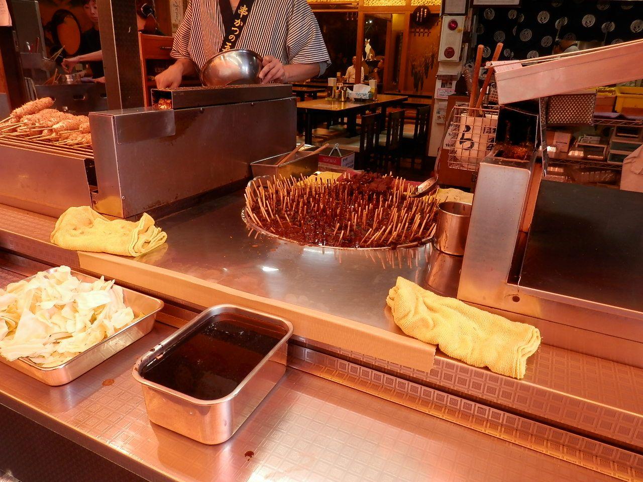 おちょぼの人気立ち食い名古屋メシ「玉屋の串カツ」