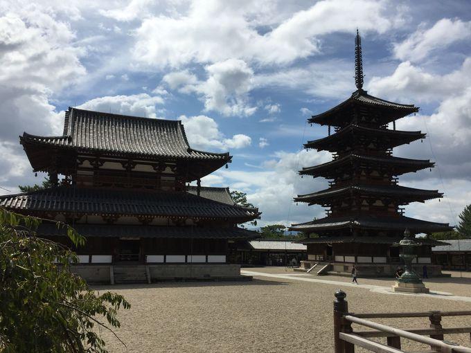 世界最古の木造建築、五重塔と金堂の佇まいが美しすぎる