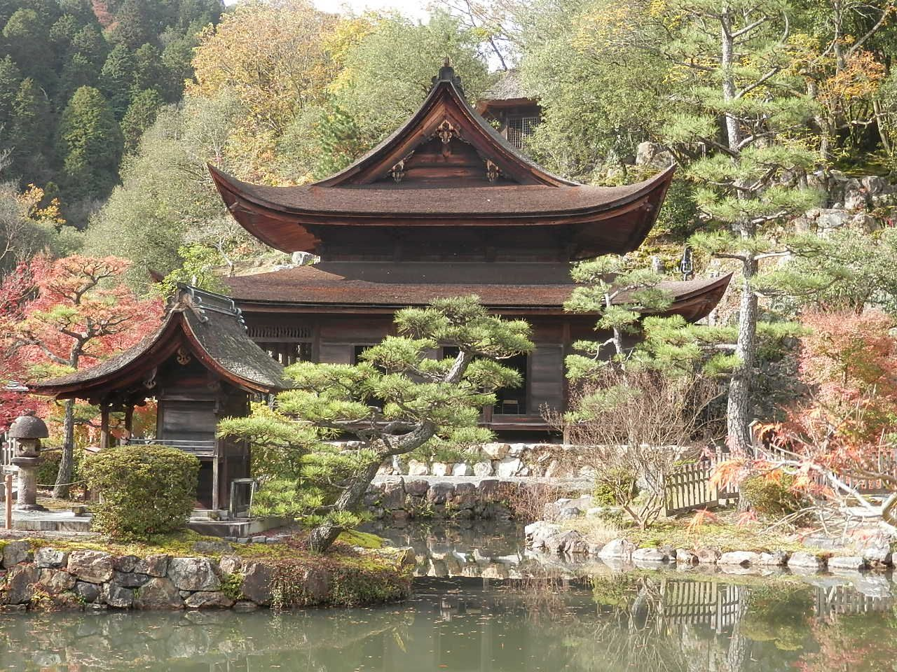 鎌倉時代に創られた歴史を感じる国宝「観音堂」