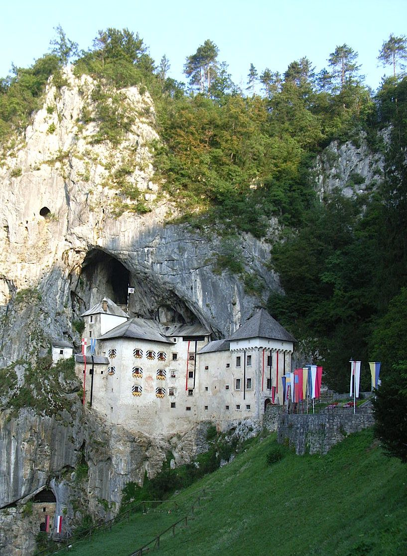 10.洞窟城