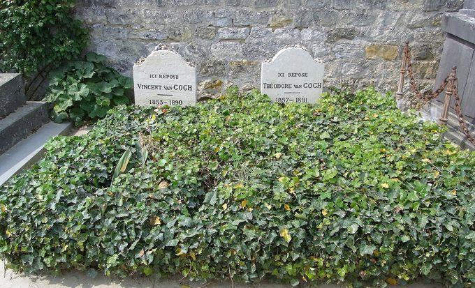 8.ゴッホとテオの墓/フランス