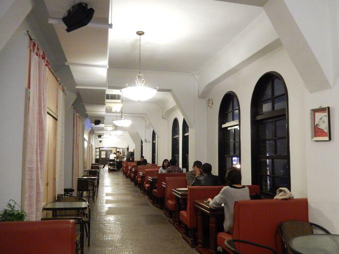 アートのムード満載『蔡明亮咖啡走廊』