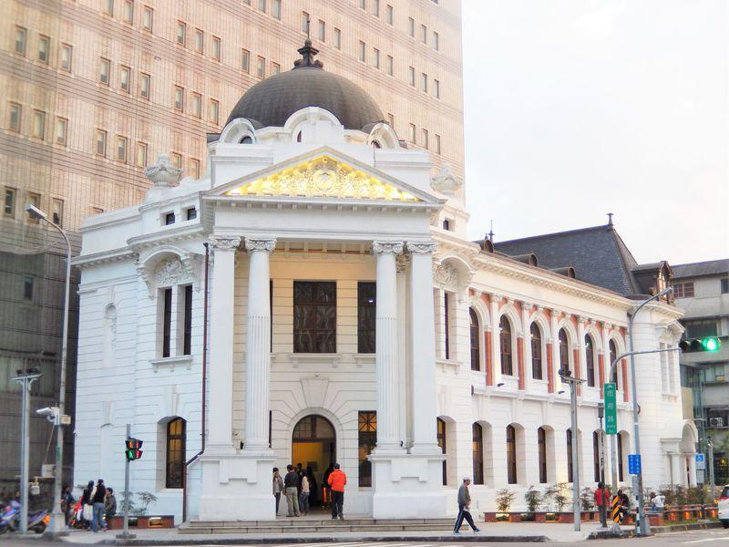 台中の新名所!日本統治時代の「台中市役所」がレトロなアート空間に大変身!