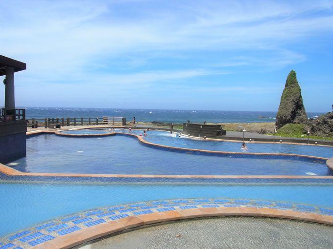 海底から温泉が湧き出る「朝日温泉」