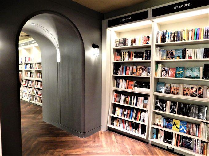 流行をけん引する話題の書店