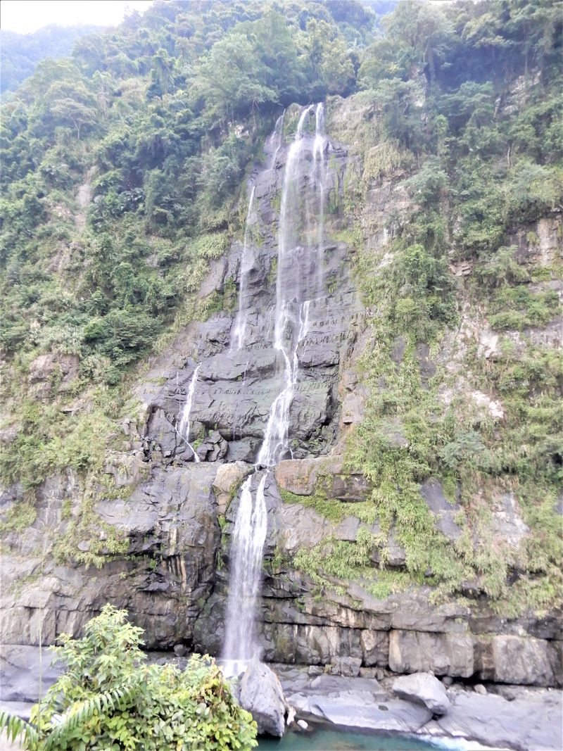 楽しみ方【3】トロッコに乗って烏来瀑布、雲仙楽園を楽しむ