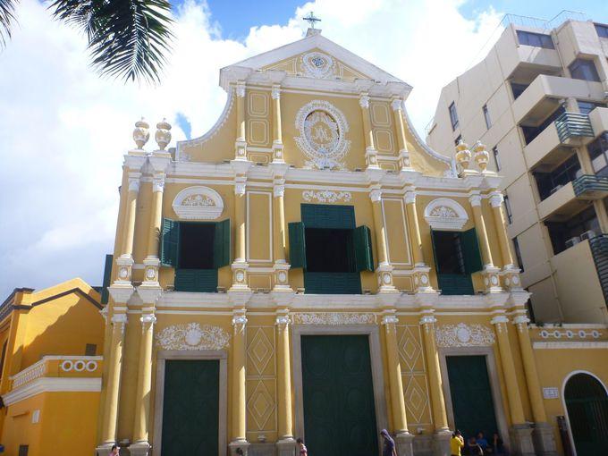 ポルトガル風の荘厳な教会「聖ドミニコ教会」