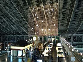 巨大駅に浮かぶ都市のオアシス!大阪ステーションシティの広場巡り