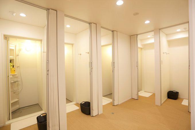 シャワールームやランドリーも完備