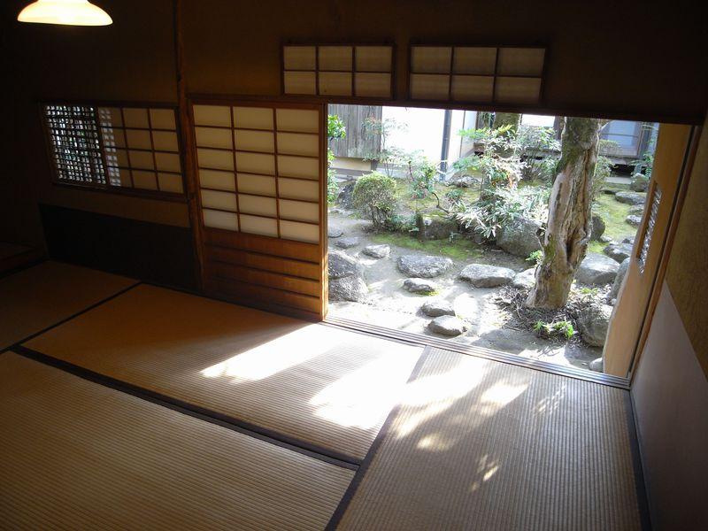 聖なる土地・春日大社に通じ、文化人に愛された「奈良・高畑」