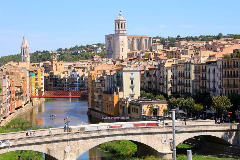 バルセロナの近く、自然に囲まれた歴史溢れる街並「ジローナ」