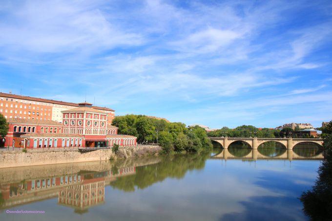 スペインワインの老舗、リオハワイン。ワイナリーや周辺の小さな町を訪れる拠点の町は『ログローニョ』
