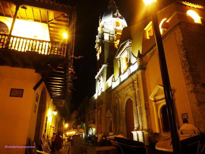 夜の街は一気にロマンチックな雰囲気に