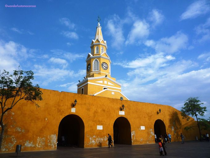 城壁にコロニアル様式の建造物、とにかく楽しい街歩き!