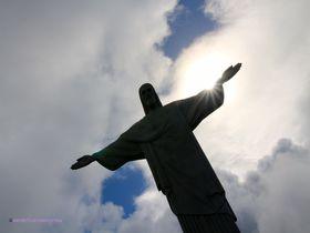 新・世界の七不思議。リオ デ ジャネイロの丘に建つキリスト像