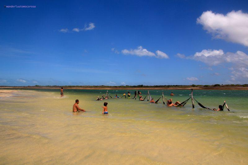 真っ白な砂丘とビーチがすぐそばに!ブラジル『ジェリコアコアラ』