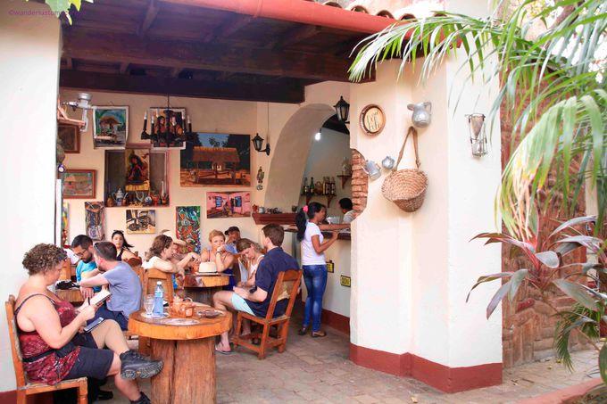 一杯のコーヒーでリラックス!キューバならではのラム入りコーヒーも