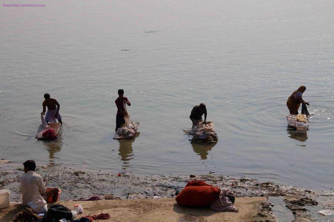 ガンジス川のガートで究極のインドを体感!