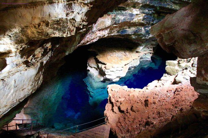 幻想の世界のような「青の洞窟」まずは入り口へ!