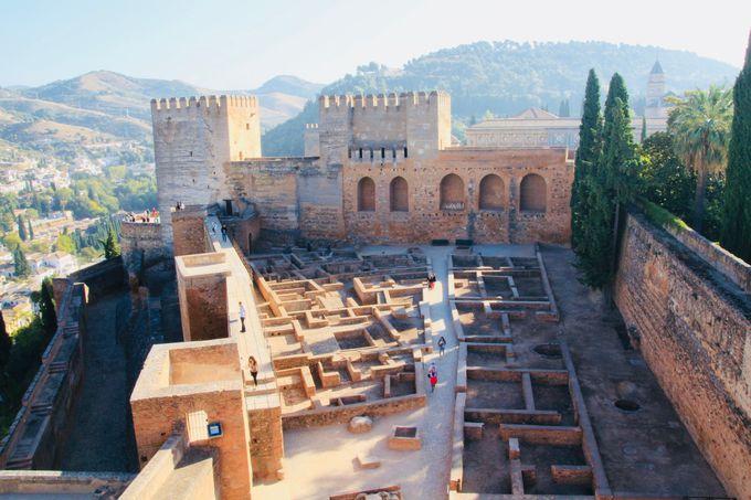 8時半:イスラム支配終焉の場所「アルハンブラ宮殿」は時間厳守