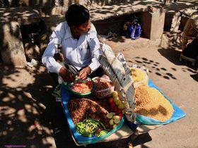 ヨガの聖地「リシケシ」で味わうべきインドの食べ物いろいろ!