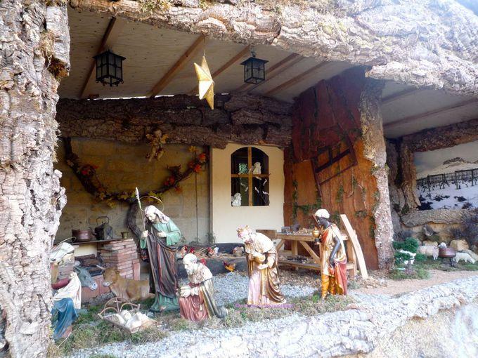 クリスマス・マーケットと伝統的な飾り付け、ベレン
