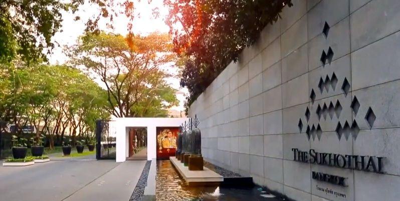 一歩ホテルの敷地に入ると、スコータイ王朝!?
