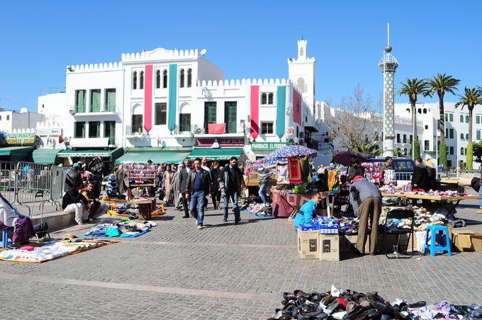 街の骨格もヨーロッパ的、広場とマーケット