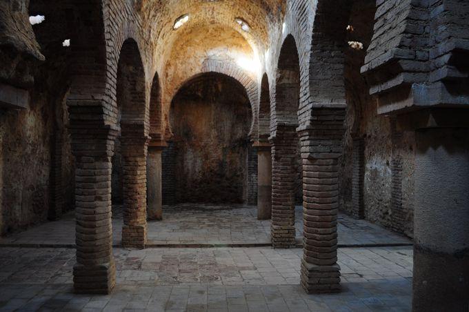 旧市街散策の隠れ名所、アラブ風呂跡