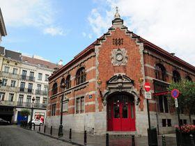 ブリュッセルの多様な歴史的建造物でくつろぎの時間はいかが?