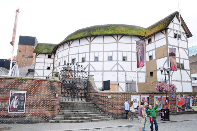 400年前を再現した、シェイクスピア・グローブ劇場