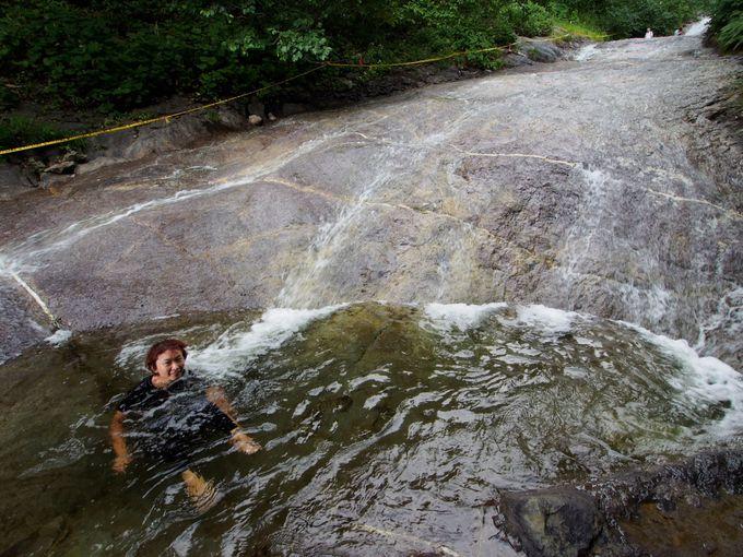 魔人の水と恐れられた秘湯・・・だった「カムイワッカ湯の滝」