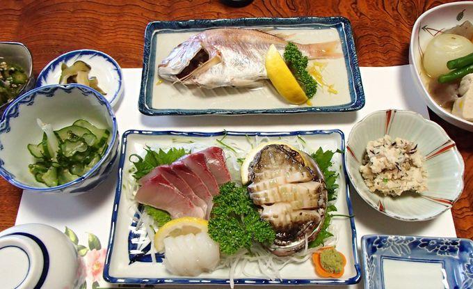 魅力その4:海水で作る「黒島豆腐」と「塩炊き」は外せない絶品島めし