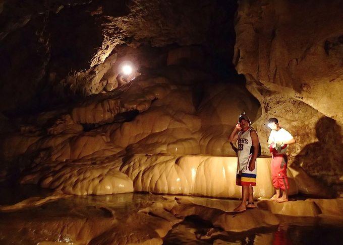 サガダ観光、もう1つの目玉は「洞窟探検」