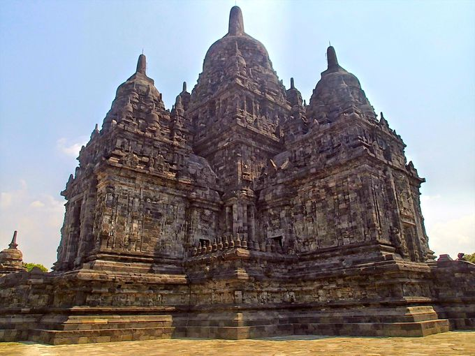 仏教寺院「セウ寺院」の見事な正十字にインドが見える