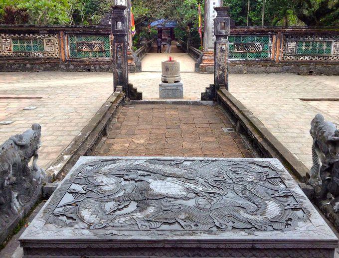 ベトナム初の王朝が誕生した地「ホアルー」