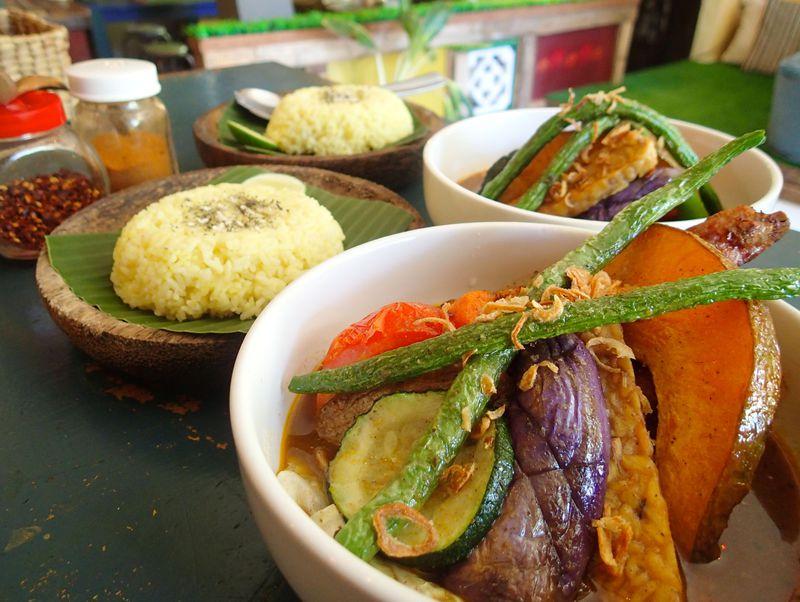 原点はインドネシア!バリ島で本場の「スープカレー」と「おふくろの味」を召し上がれ