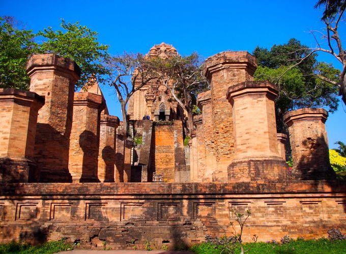 ニャチャンの丘に建つチャンパ王国最古の遺跡群