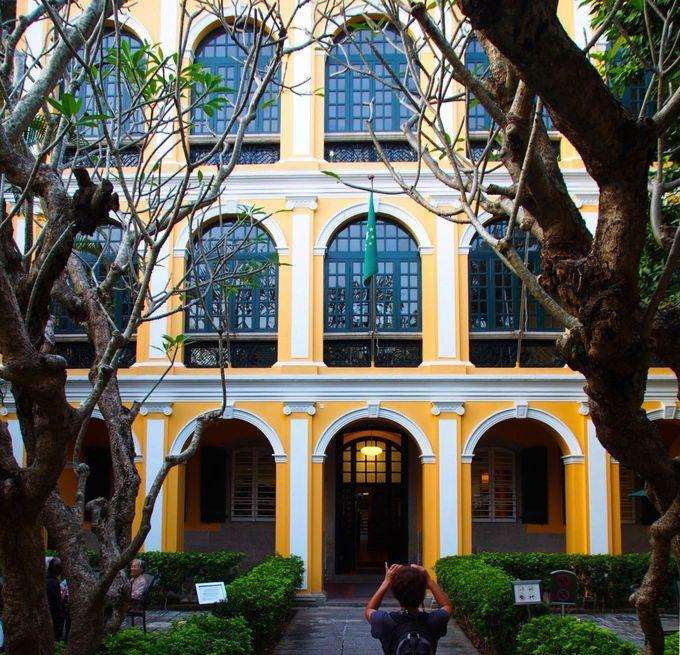 香港・マカオ唯一の庭園付き図書館「ロバート・ホー・トン図書館」