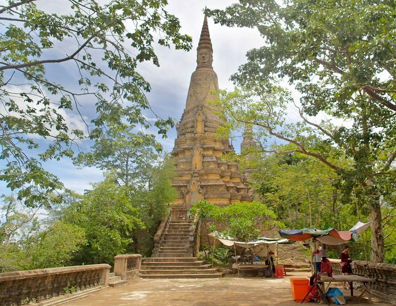 カンボジアの古都ウドンへ!プノンペンから日帰りできる遺跡群を見にいこう