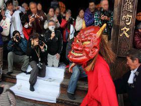 暴れまわる3匹の鬼と大松明!2月14日は奈良・長谷寺の「だだおし」で福を呼ぶ