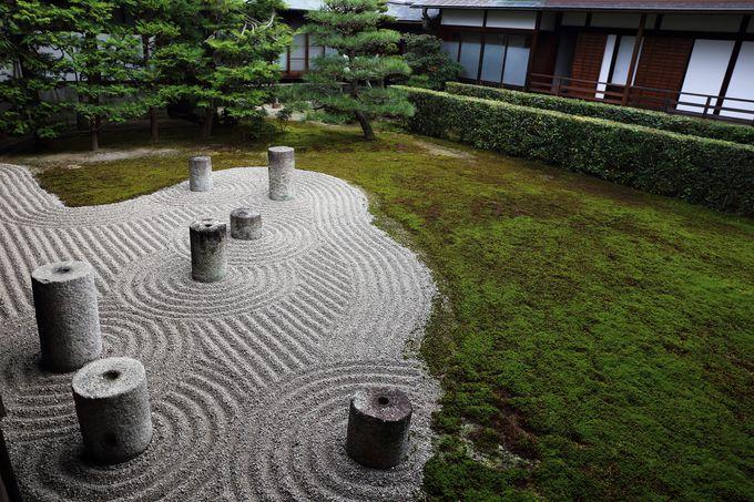 日本庭園史上初めての星座を表現した方丈東庭