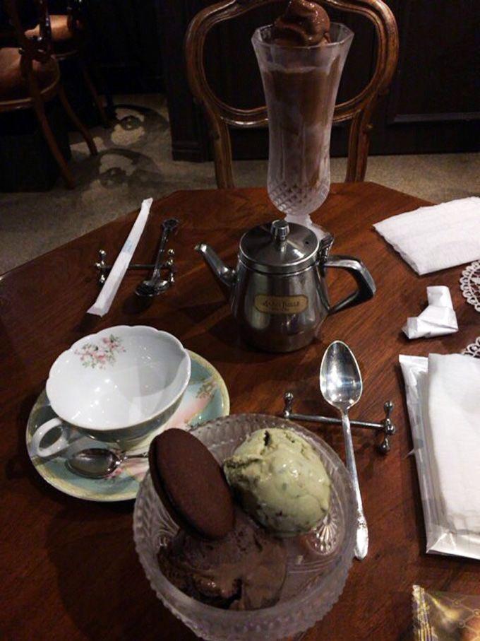 マリベルの喫茶コーナーは調度品も一味違います