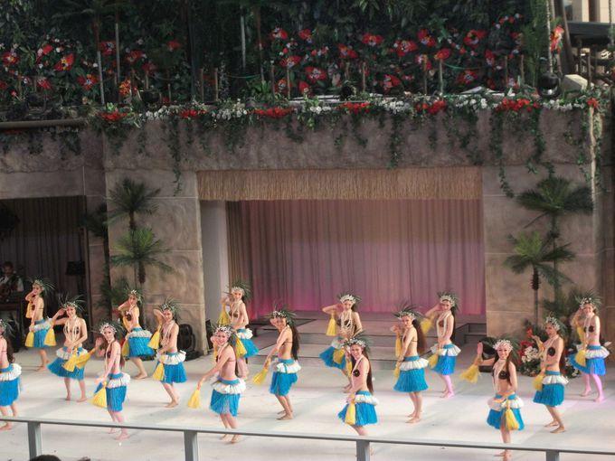 まるで南国!明るく開放的な昼間のショー♪フラガールポリネシアンレビュー「美しきハワイ」